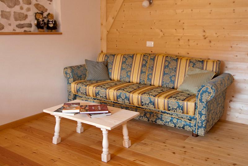 Pedracia appartamento ciof for Cerco divano letto matrimoniale usato milano